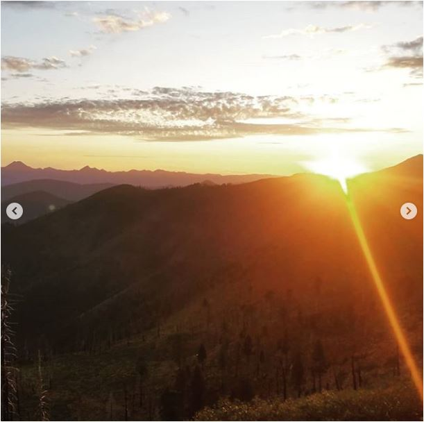 Sean-Nolan-PCT-passing-Mt.-Shasta-leaving-Seiad-Valley-onto-Oregon